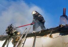 Пожежники врятували будівлю від знищення вогнем та її власника