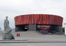Чому перейменування літературно-меморіального музею пересварило Шепетівку?