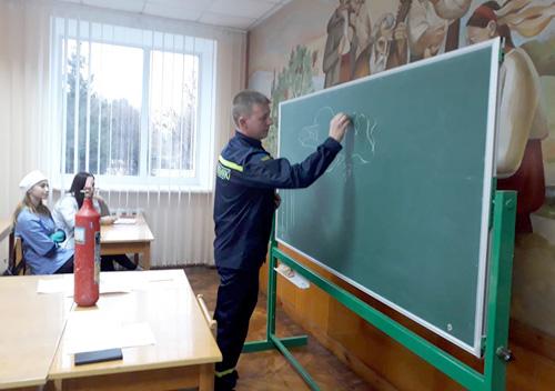 У Шепетівському медучилищі провели тиждень знань із основ безпеки життєдіяльності