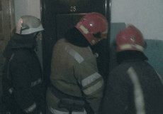 У Шепетівці рятувальники відчинили двері квартири, в якій знаходилась літня жінка