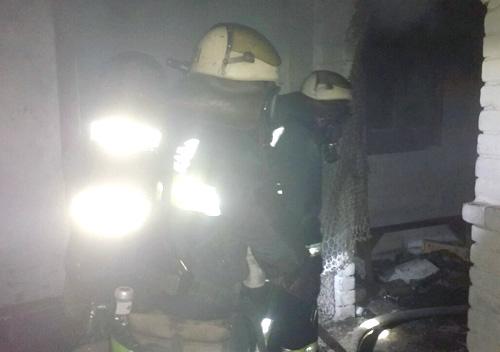 У Шепетівці під час пожежі врятували літнього чоловіка