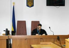 На дебати по смертельній новорічній ДТП в суд не з'явилися обвинувачений та його адвокат