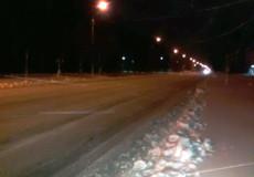 У Шепетівці снігоочисна техніка виїхала на дороги ще вночі
