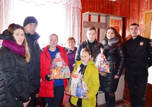 У Шепетівському районі привітали дітей у прийомних сім'ях