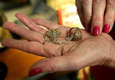 Наркоторговиця попалася на крадіжці ювелірних виробів