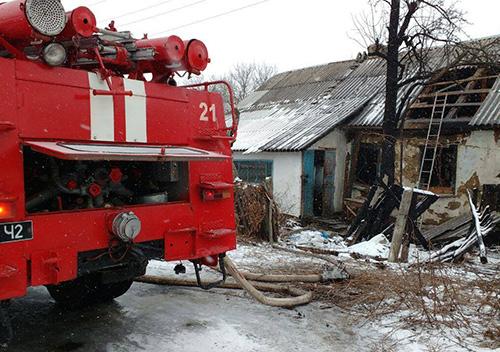 То самозагоряння, то підпал: на Шепетівщині вже двічі горіло одне й те ж господарство