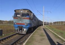 У дизель-поїзді злодії побили і пограбували атовця