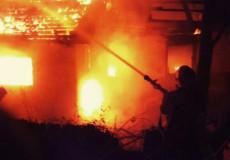 У Шепетівському районі через сімейні конфлікти 43-річний чоловік зайнявся підпалами односельчан