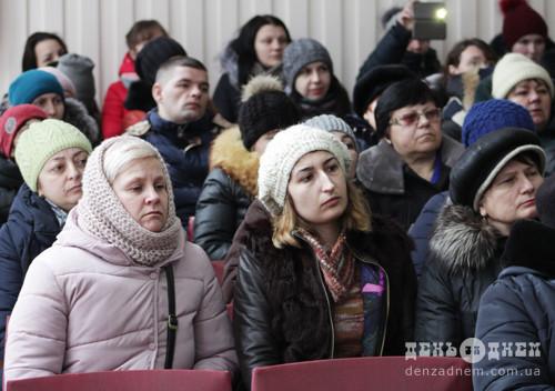 Півтори сотні швачок вийшли на мітинг у Шепетівці
