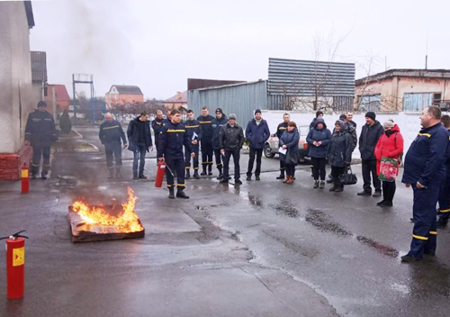 Рятувальники Шепетівщини навчали правилам пожежогасіння