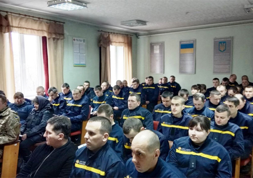 Шепетівські рятувальники вчили правилам пожежної безпеки на виборчих дільницях