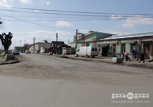 У Шепетівці взялися за ремонт доріг та тротуарів