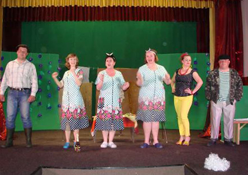 На Шепетівщині вистава аматорського театру пройшла з аншлагом