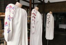 У Шепетівці експонуються унікальні вишиванки зі Слобожанщини