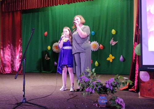 На Шепетівщині відбулося святкове шоу «Матусі й донечки»