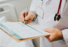 Невдовзі в Україну доставлять 7 видів препаратів для дорослих онкохворих