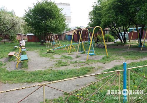 Дитячі майданчики Шепетівки в очікуванні виборів
