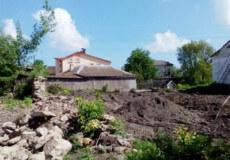 Селянин пошкодив археологічний культурний шар у Меджибожі, висадивши помідори