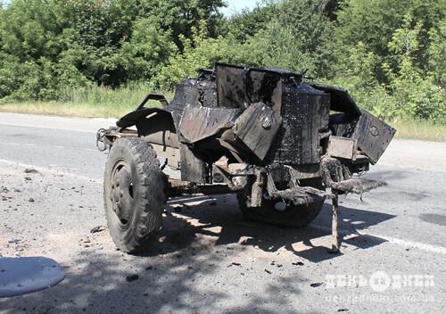 ДТП на Шепетівщині: пересувна бочка зі смолою влетіла в зустрічне авто