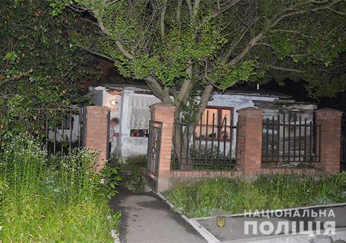 На Хмельниччині 2 жінки з товкачем та ножем закінчили сімейні конфлікти