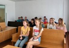 Десятикласники побували в шепетівському суді