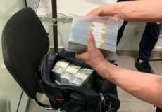 Правоохоронці Хмельниччини затримали злочинну групу, які у директора кар'єрів вимагали 400 тисяч доларів