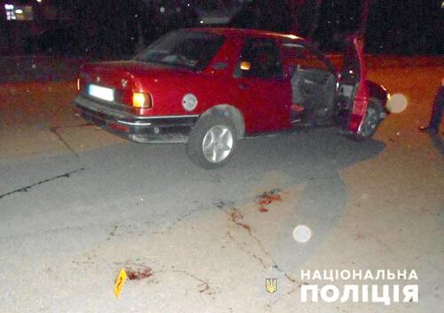У Шепетівці через безпечність батька під колеса іномарки потрапив 7-річний хлопчик
