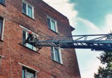 Шепетівські рятувальники звільнили 4-річного малюка із зачиненої квартири