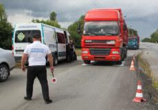 Інспектори «Укртрансбезпеки» перевіряють транспорт у Шепетівському районі