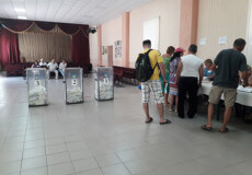 Свідомі мешканці Шепетівки голосували на відпочинку