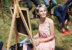 Художниця Наталя Горобець представила на ярмарку свою виставку картин