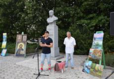 У Шепетівці біля пам'ятника Шевченка відбувся творчий вечір