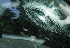Суд скасував штраф за їзду на авто з тріщиною в лобовому склі