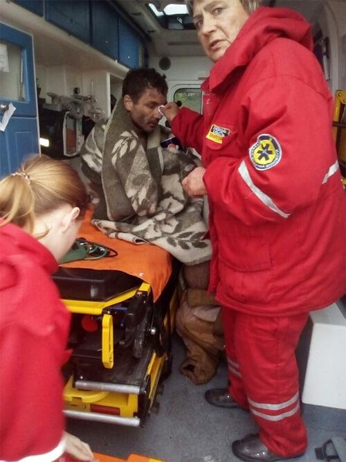 На Полонщині рятувальники дістали з багна людину