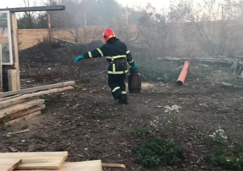 На Славутчині вогнеборці запобігли вибуху газового балона