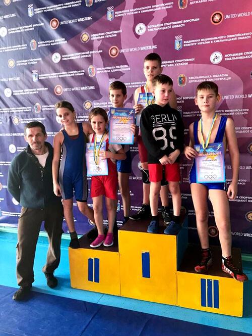 Шепетівські спортсмени здобули нагороди на обласному чемпіонаті з вільної боротьби