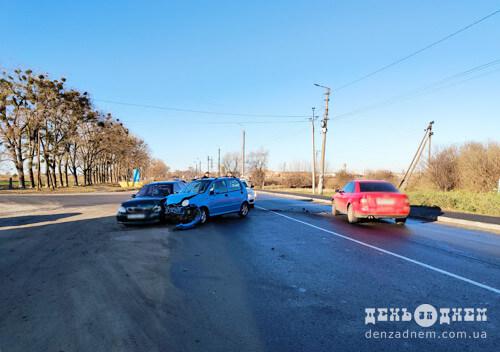 Потрійна ДТП на Шепетівщині: двоє постраждалих