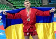 Нетішинська міська рада виділила 22 тисячі гривень допомоги для чемпіона світу із самбо