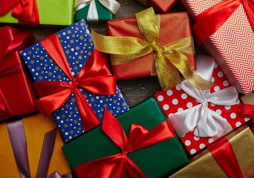 Вміння дарувати і приймати подарунки — ціла наука