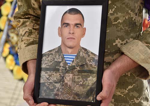 Військового із Хмельниччини посмертно нагородили орденом «За мужність» ІІІ ступеня