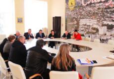 Славутські депутати виступили проти благодійних внесків у лікарні