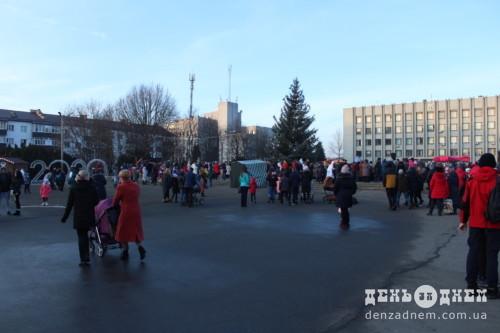 Новорічні святкування в Шепетівці триватимуть до 17 січня