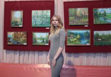 Юна ілюстраторка дитячих книжок презентувала виставку в Шепетівці