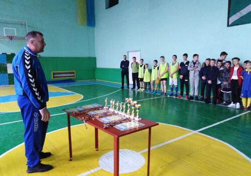 У районному чемпіонаті з міні-футболу перемогла командна «Темп»