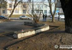 За 130 гривень та пачку цигарок у Шепетівці побили чоловіка