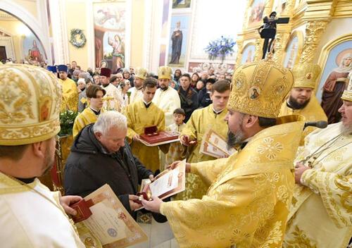 Першу літургію у освяченому в Полонному храмі очолив Митрополит Епіфаній