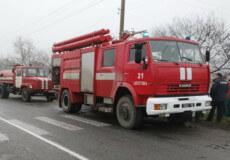 На Шепетівщині через необережне поводження з вогнем загорівся сарай