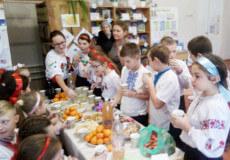 Шестикласники вчилися готувати вареники
