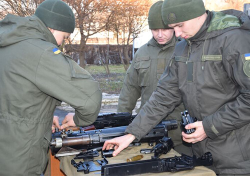На Хмельниччині нацгвардійці вправлялися у бойовій готовності в польових умовах
