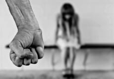 У Славуті чоловіка підозрюють у розбещенні 9-річної дівчинки